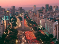 Al Avenida 9 de Julio, Foto: Sitio oficial de turismo. Gobierno de la Ciudad de Buenos Aires www.bue.gob.ar