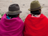 Locals mit traditioneller Kleidung, Foto: Ministerio de Turismo del Ecuador