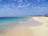 Kilometer langer Sandstrand auf Sal, Foto: Kopp Tours