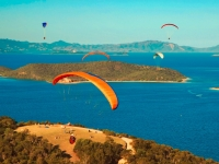 Paragliding über Neukaledonien, Foto: Stéphane DUCANDAS/GIE NCTSP