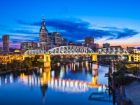 Nashville Downtown Skyline mit der Shelby Street Bridge, Foto: Shutterstock