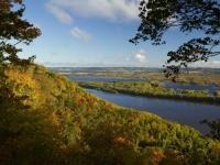 Mississippi River im Herbst, Foto: Shutterstock