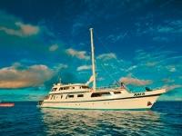 Tauchschiff einer Tauchkreuzfahrt, Foto: Naia Cruises