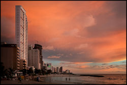 Strand von Cartagena  (Bild: Playa de Bocagrande, Cartagena, Colombia, Pedro Szekely, CC BY)