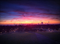 London Skyline  (Bild: Primrose Hill sunrise.. #1, Mike Rolls, CC BY-SA)