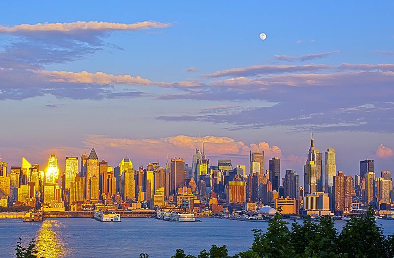 ... CC Blick über New York (Bild: Day183 New York At Sunset U0026 Moon Rise, ...