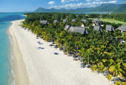 Strand am Hotel Beachcomber Dinarobin Golf & Spa  (Bild: Beachcomber Dinarobin Golf & Spa, Copyright)