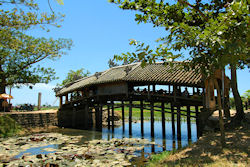 (Bild: Thanh Toan Covered Bridge, Bernard Tey, CC BY-ND)